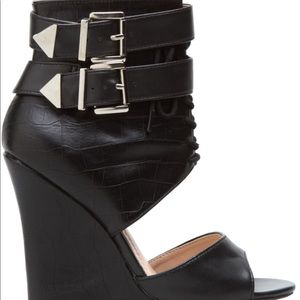 Super edgy/sexy black faux leather wedges!